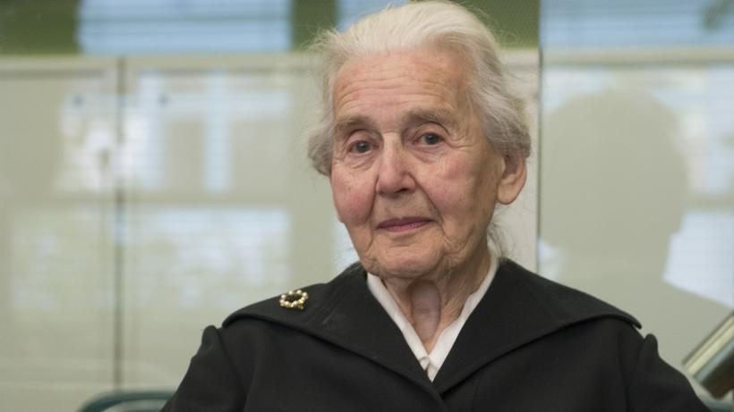 Ursula Haverbeck: Ursula Haverbeck leugnete mehrfach den Holocaust und sitzt deswegen nun im Gefängnis.