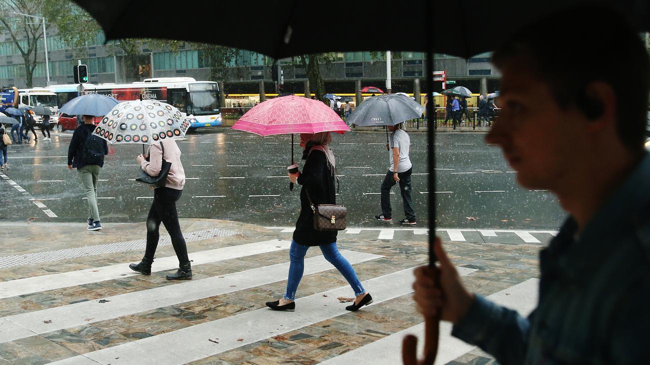 Australien: Starker Regen hilft beim Löschen der Brände