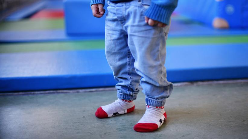 Kinderarmut: Der Hartz-IV-Regelsatz für Kinder unter sechs Jahren beträgt 250 Euro monatlich, für 6- bis 13-Jährige 308 Euro.