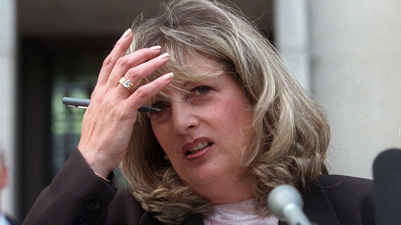 Linda Tripp : Schlüsselfigur in Lewinsky-Affäre Linda Tripp ist tot