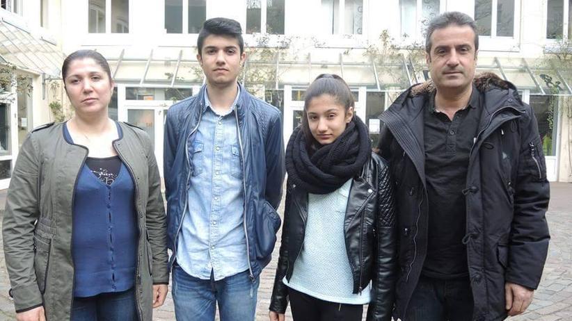 Flüchtlingspolitik : Familie Mohamad: Fairoz, Amad, Zackey und Selaheddin (v.l.)