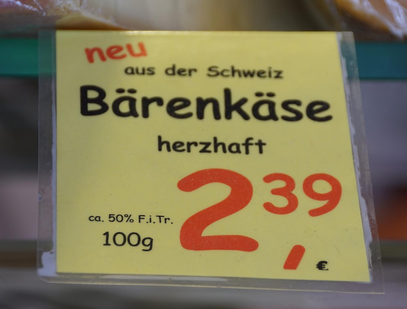 Trendsetter vor den Toren Hamburgs: Schafskäse war gestern ... (gesehen auf dem Wochenmarkt in Ahrensburg).