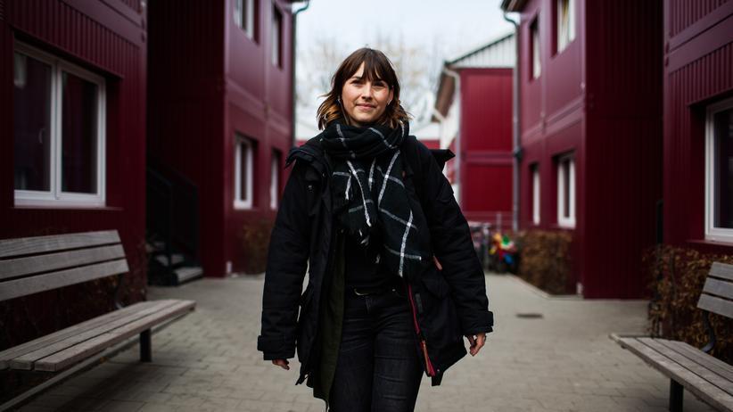 Therapeutin: Alexandra Wiegert in einem Containerdorf