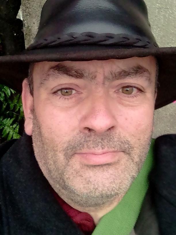 """Thomas Burghardt lebt seit einigen Jahren auf der Straße. Diesen Winter hatte er """"großes Glück"""" und darf mit einem Kollegen in einem Container der Diakonie schlafen. Dort muss er, wenn das Winternotprogramm am 31. März 2019 endet, wieder raus."""