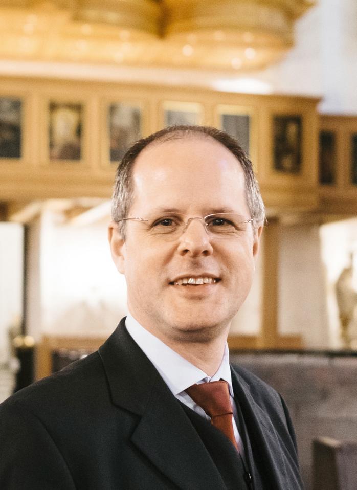 Alexander Steinhilber: Alexander Steinhilber ist selbst Organist und seit 2011 Orgelbeauftragter der Freien und Hansestadt Hamburg.