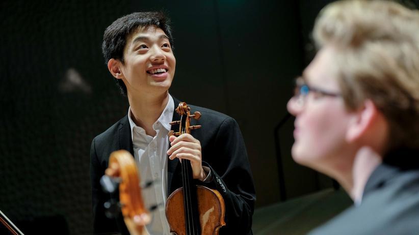 Leonard Fu: Der junge Violinist Leonard Fu spielt seit etwa zehn Jahren auf Instrumenten der Deutschen Stiftung Musikleben.