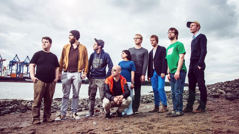 Krautrock-Band: Die Band Station 17 entstand 1989 aus einer Wohngruppe der Stiftung Alsterdorf. Hier sind sie noch in ihrer alten Besetzung mit der Sängerin Parija Masoumi zu sehen.