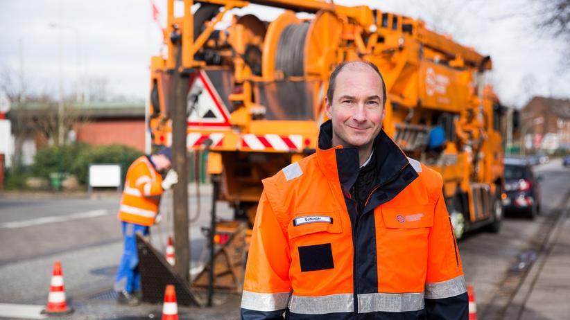 Kanalisation: Martin Schuster sorgt dafür, dass in Hamburgs Kanalsystem alles flutscht. Die Gedankenlosigkeit der Stadtbewohner macht seinen Job nicht gerade leichter.