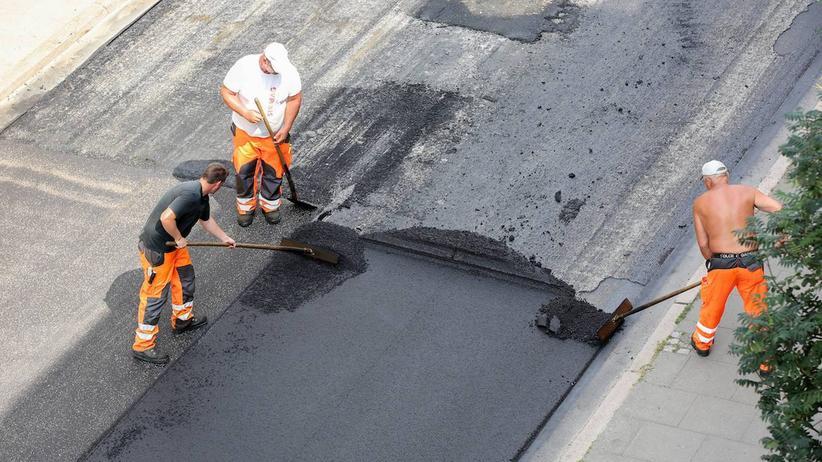 Straßenverkehr: Fachkräftemangel ist einer der Gründe für ewige Baustellen in Hamburg.