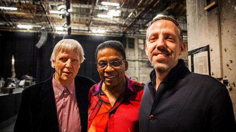 Jazz: Karsten Jahnke (links) mit seinem Sohn Heiko (rechts) und dem Jazzweltstar Herbie Hancock