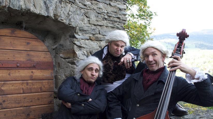 Die Kapeiken: Hamburger Jungs in Rokoko-Klamotten