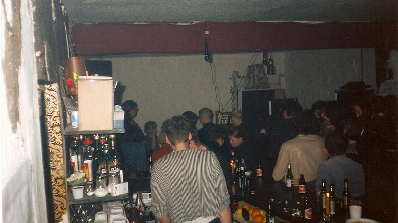 Hamburger Club-Mausoleum: Kunstvoller Dreck für das kollektive Koma ...