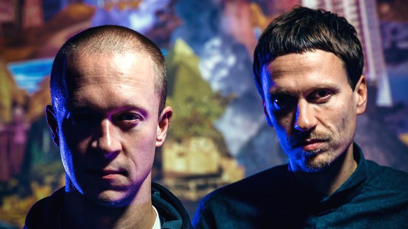 Reeperbahnfestival: Machen wuchtige Tracks aus persischem Funk, Bollywood-Soundtracks und polnischen Freejazz: Simon Dokkedal und Martin Højland aus Dänemark