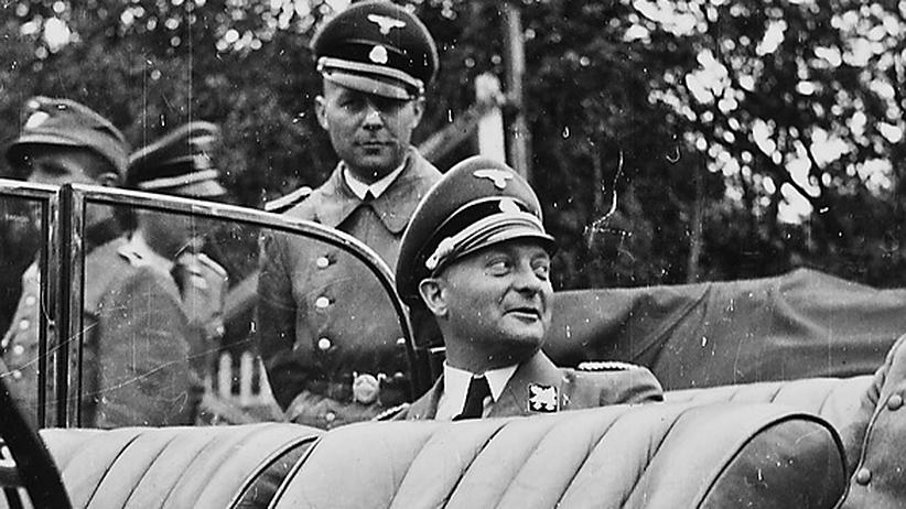 Karl Kaufmann: Karl Kaufmann (M.), unter Adolf Hitler NSDAP-Gauleiter von Hamburg, 1942 auf einer Reise in Nordnorwegen