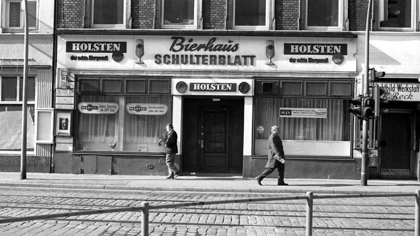 Hamburger Club-Mausoleum: Das Haus Schulterblatt Nr. 3 im Jahr 1970. Damals hieß die Kneipe noch Bierhaus Schulterblatt.