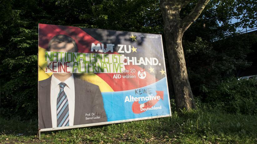 Beschmiertes AfD-Plakat