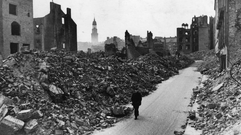 """Nationalsozialismus: Hamburg 1945: """"Selbst Baracken waren wertvoll, weil die Stadt zerstört war"""""""