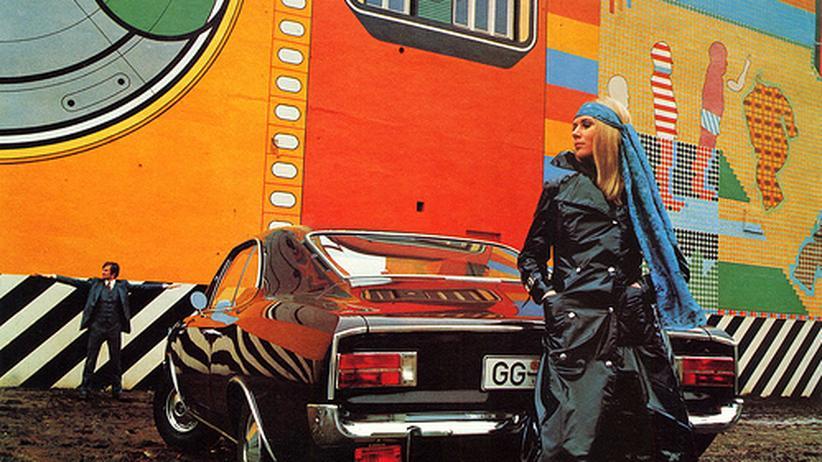 Werbeaufnahme vor dem Gruenspan, entstanden in den Siebzigern