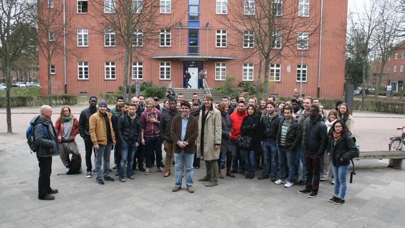 Flüchtlinge: Hamburg, Flüchtlinge, Universität, Hochschule, Flüchtling, Lüneburg, Bertelsmann Stiftung, Deutschunterricht, Unterricht, Chemie, Gehirn, Physik, Bremen
