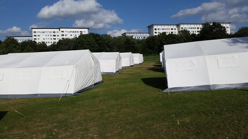 Hamburg, Flüchtlinge, Flüchtling, Fremdenfeindlichkeit, Obdachlosigkeit, Hamburg, Blankenese, Wilhelmsburg