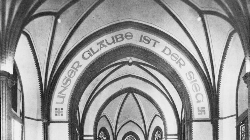 Nordkirche in Hamburg: Wem wird gedient? Der Innenraum der Christuskirche in Hamburg-Wandsbek während des Nationalsozialismus