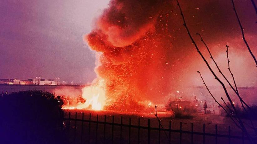 Osterfeuer: Bei Euch brennt es doch!