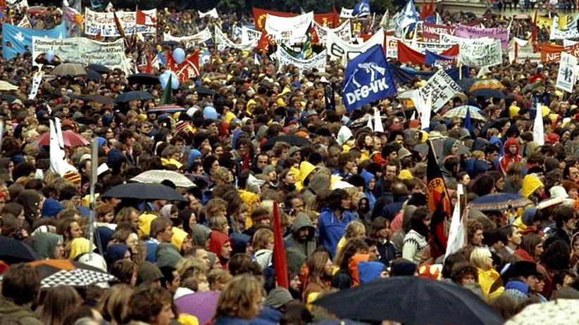 Verfassungsschutz: Friedensdemonstranten 1981 (im Bonner Hofgarten)