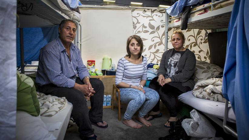 Flüchtlingsheim: Alltag zwischen Wänden aus Bettlaken