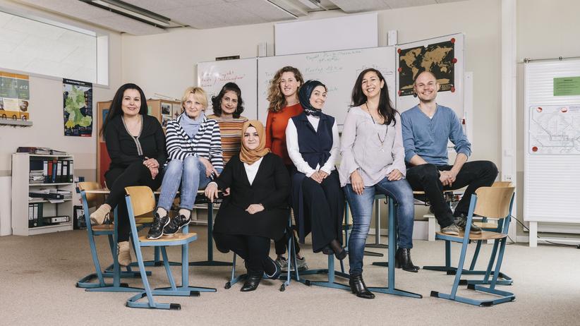 Flüchtlingskinder: Sie unterrichten Flüchtlinge: Das Lehrerteam um Kathrin Brockmann (Zweite von rechts)