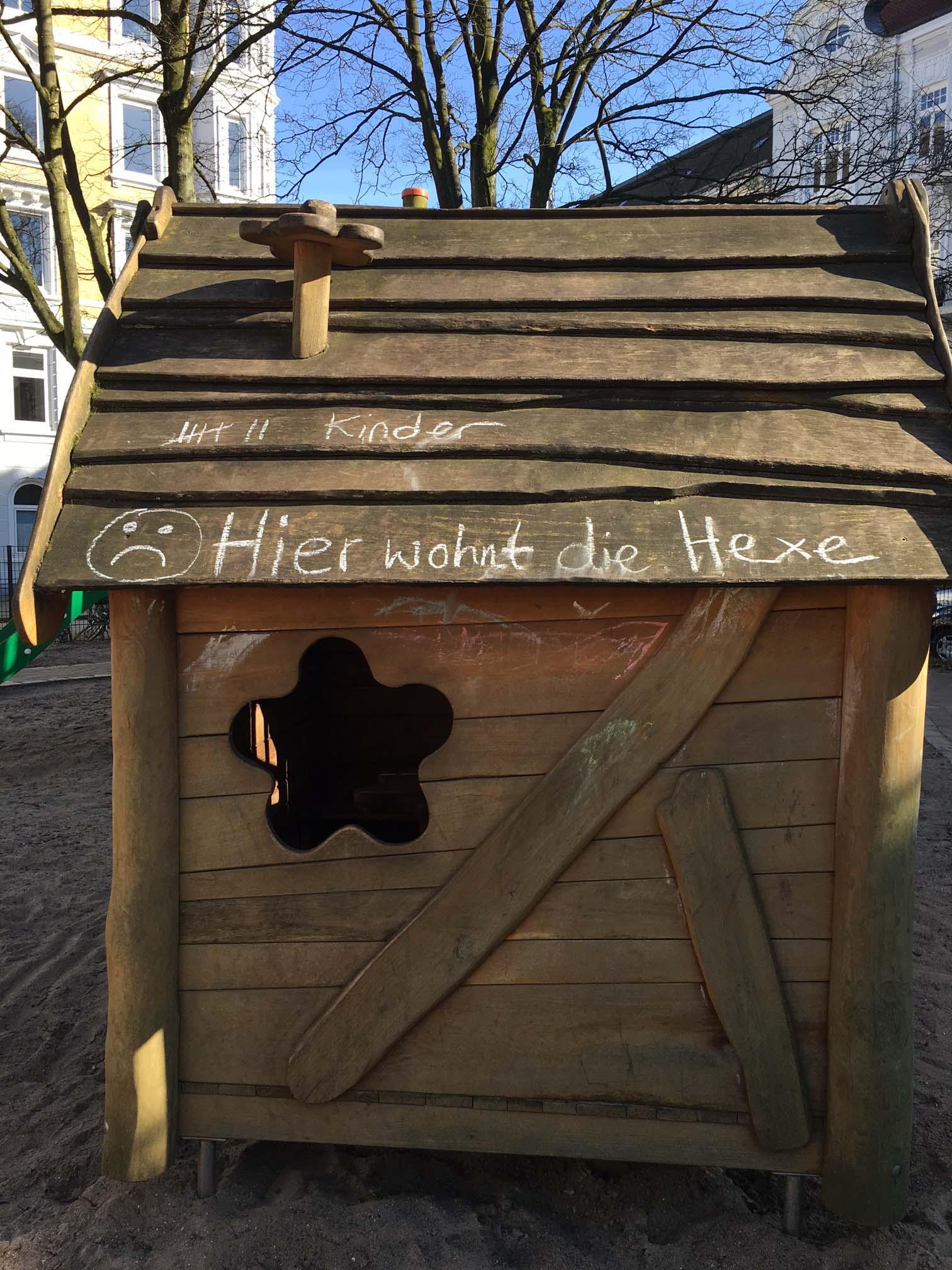 Grusel auf dem Spielplatz in Ottensen