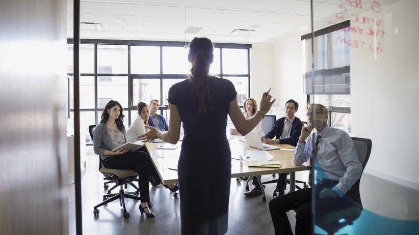 Unternehmenskommunikation: Durch Storytelling werden beim Zuhörer Glückshormone ausgeschüttet.