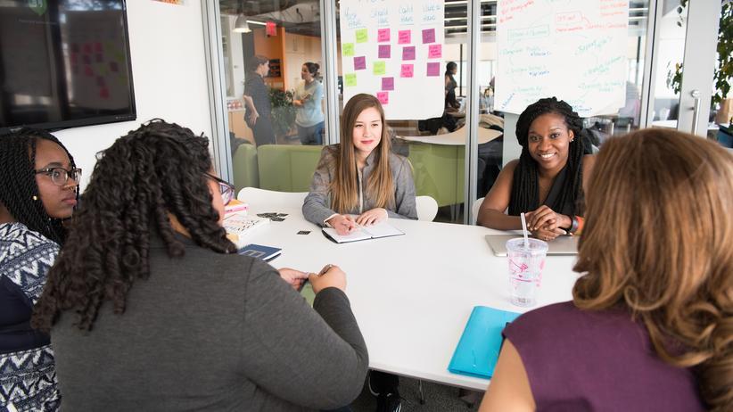 Diversity Management funktioniert vor allem dann, wenn Offenheit und Toleranz überall im Unternehmen gelebt werden.
