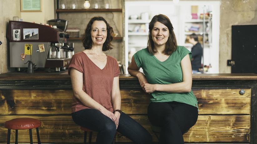 """""""Restlos Glücklich"""": Anette Keuchel und Leoni Beckmann sind die Ideengeberinnen von """"Restlos Glücklich""""."""