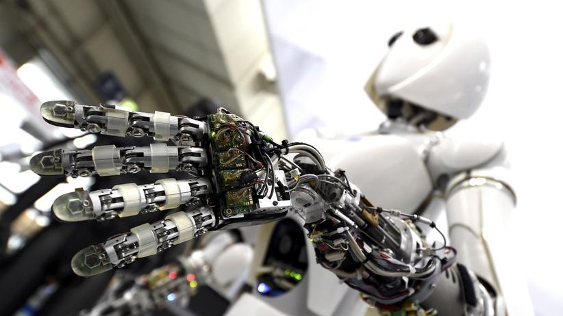 Digitalisierung: Ein Roboter, ausgestellt auf der CeBIT 2017 in Hannover