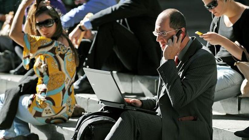 Arbeitssucht: Wenn das Smartphone zur Jobfessel wird
