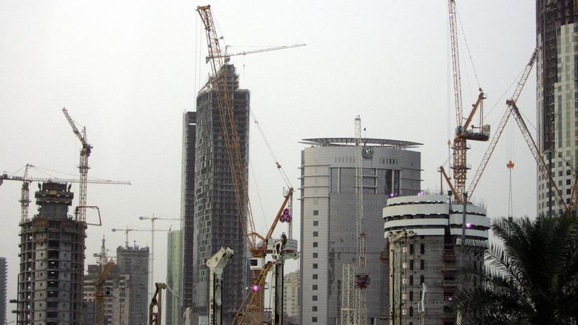 Ingenieure: Arbeiten auf der Wüsten-Baustelle