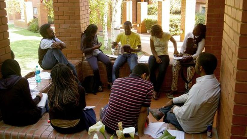 Studierende in einer Vorlesung an der African Leadership Academy