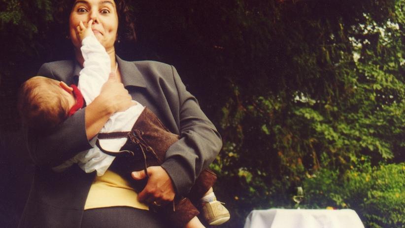 Familienmanagerin: Das Hausmädchen reicht nicht mehr