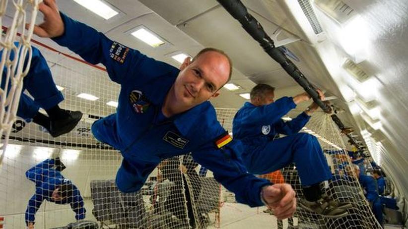 Der Astronaut Alexander Gerst beim Schwerelosigkeitstraining