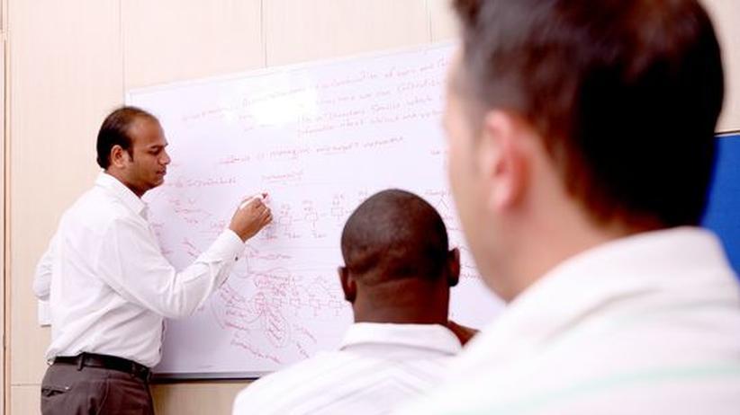 Weiterbildung: Firmen schicken IT-Experten in die Wüste