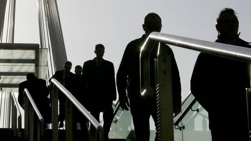 Serie Karrieretipps: Firmen bewerben sich bei Mitarbeitern