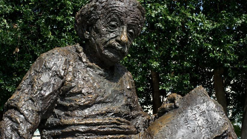 Statue von Albert Einstein