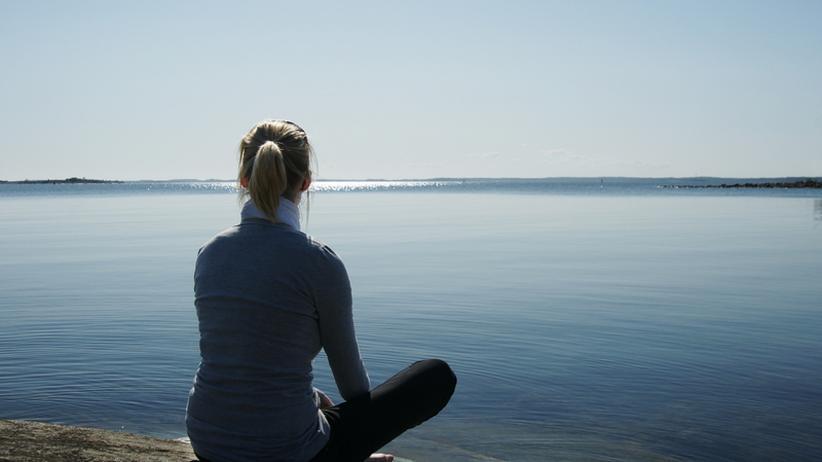 Meditieren kann bei ersten Anzeichen von Erschöpfung helfen.