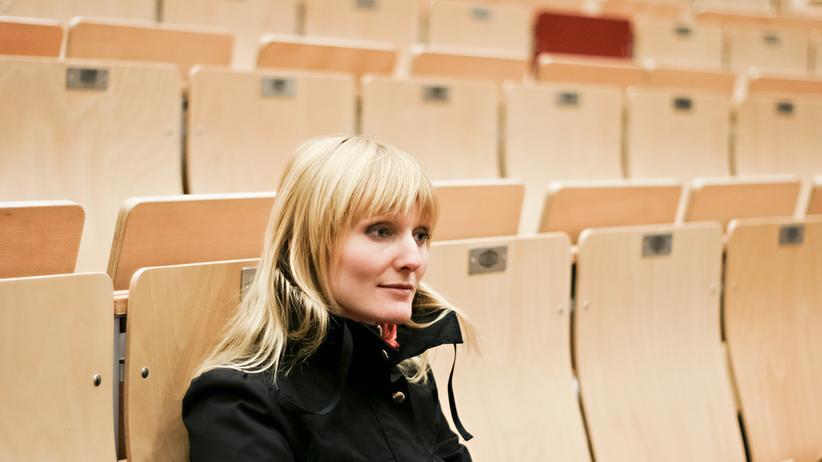 Frauen in der Wissenschaft: Karriere, Frauen in der Wissenschaft, Wissenschaft, Karriere, Hochschule, Arbeitsvertrag, Arbeitszeit, Juniorprofessor, Nachwuchs, Promotion, Bonn