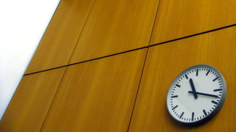 Ob Überstunden angeordnet wurden, ist eine der Fragen, über die am häufigsten vor deutschen Arbeitsgerichten gestritten wird.