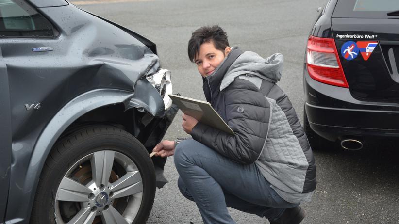 Karriere, Kfz-Sachverständiger, Schadensersatz, Verkehr, Autounfall, Autowerkstatt, PKW, Fahrzeug