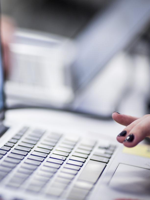 Seit Mädchen und Frauen gezielt für technische Berufe gefördert werden, ist der Anteil der Frauen in der Informatik leicht gestiegen.