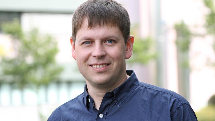 Der Biostatistiker Bernd Fischer arbeitet am Deutschen Krebsforschungszentrum und analysiert hier gigantische Datenmengen.