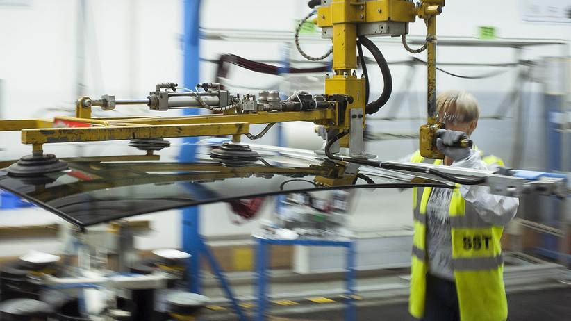 Das Unternehmen Saint Gobain wirbt mit sicheren und langfristigen Jobs um neue Mitarbeiter.