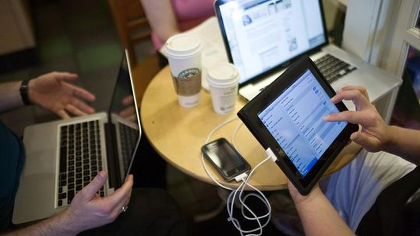 Soziale Netzwerke: Headhunter leiden unter digitaler Konkurrenz